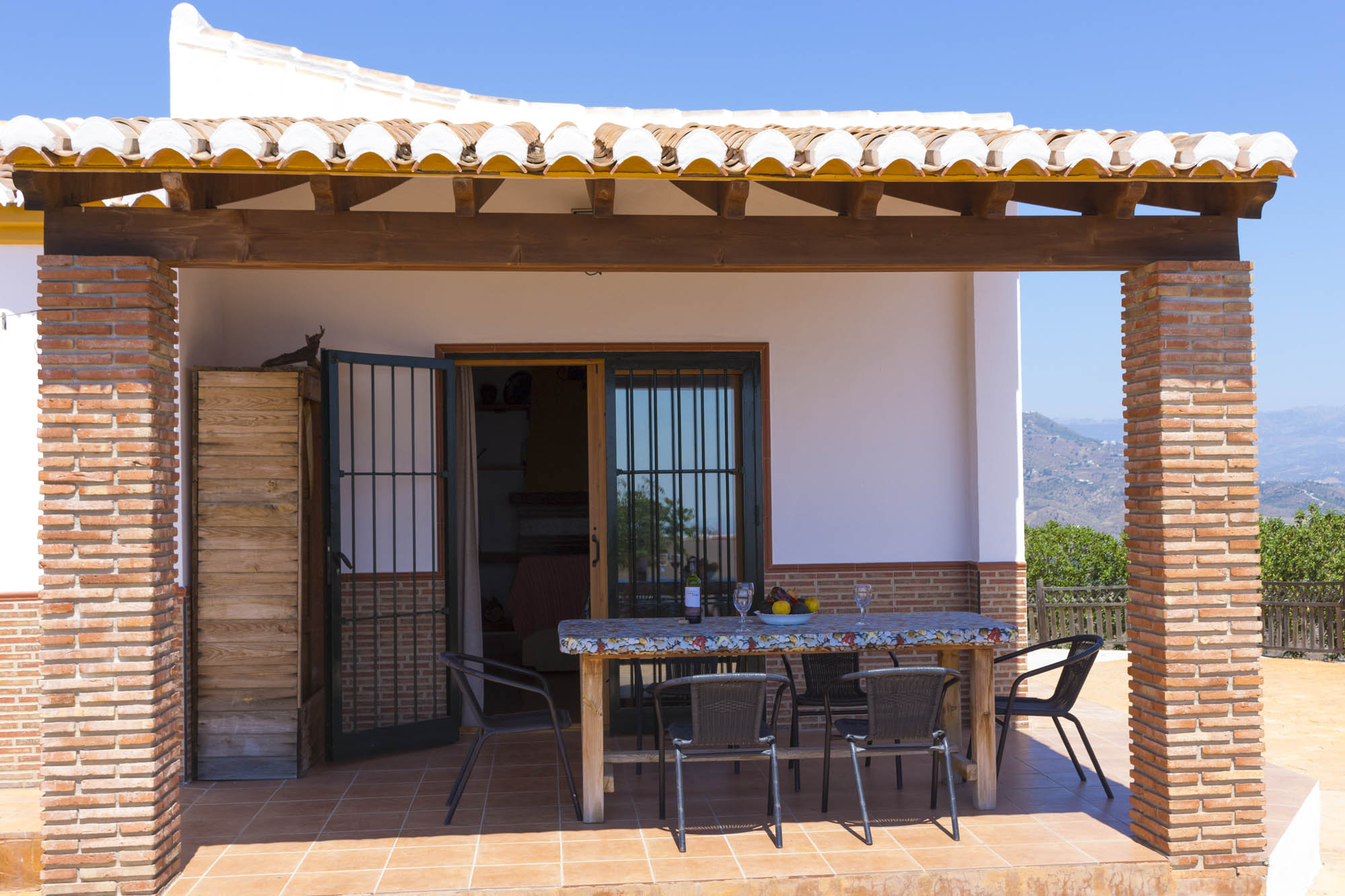 pergola sur balcon couverture pergola canisse vous avez un balcon alors mettezy une pergola. Black Bedroom Furniture Sets. Home Design Ideas
